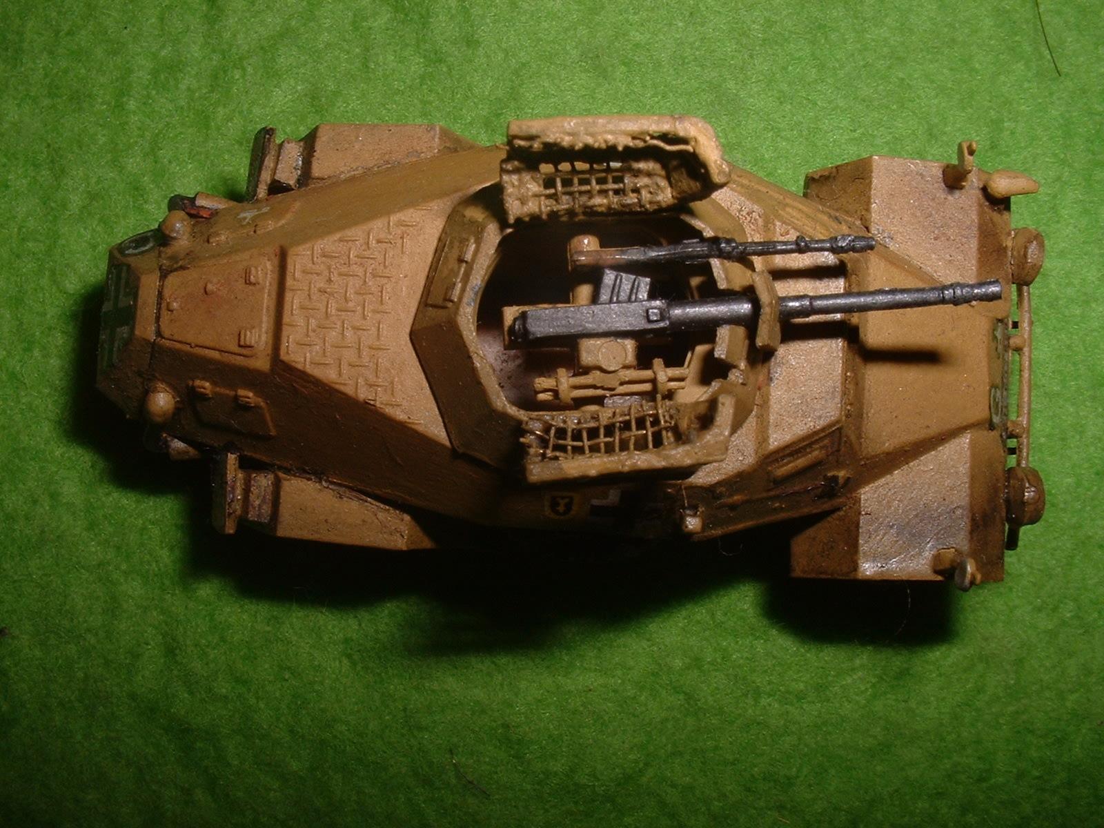 1990年代製作 フジミ 76分の1「Sd.Kfz .222」その6.JPG