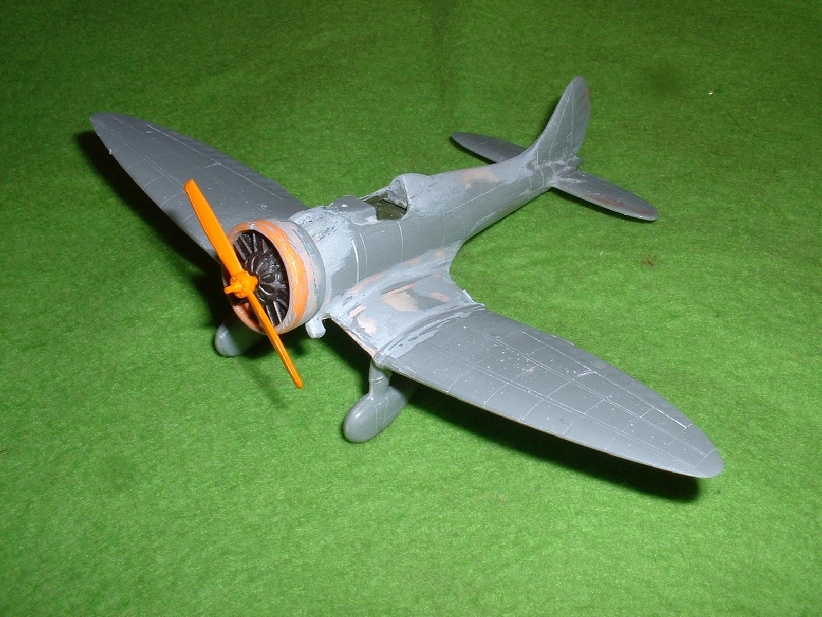 2013.08.25 時点での72分の1「9試単座戦闘機」その1 Douro-TAO.JPG