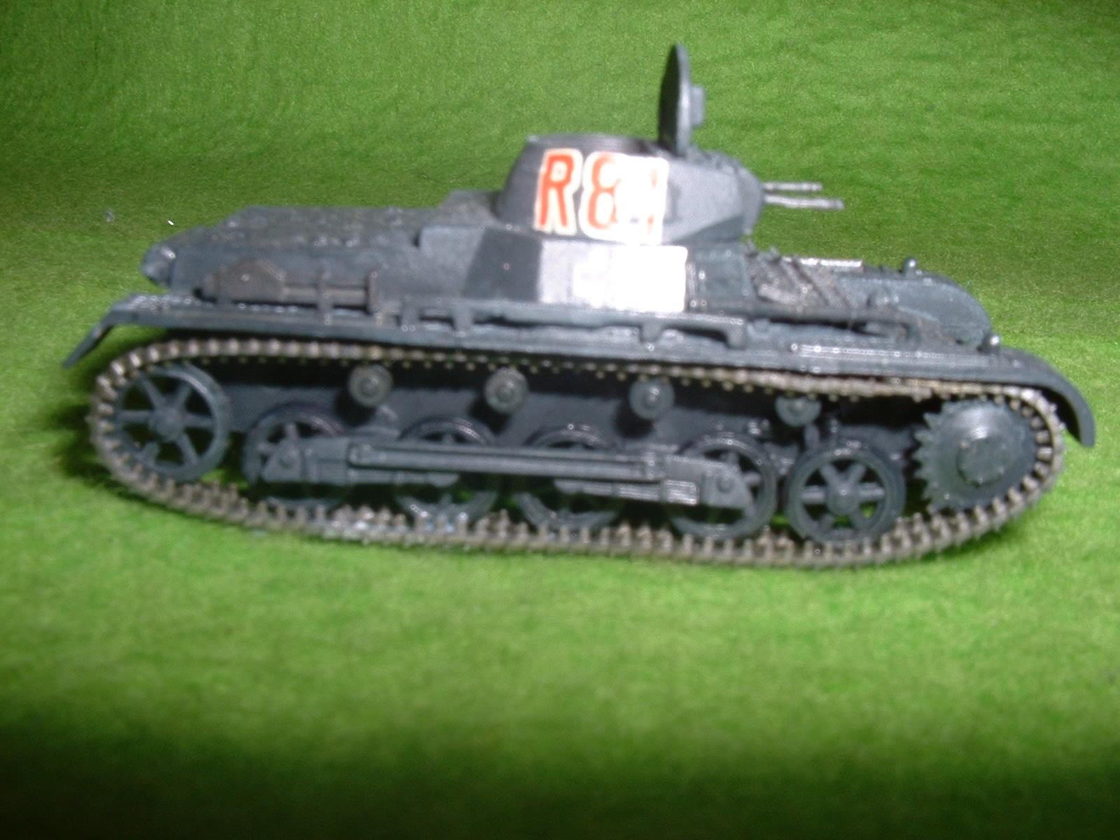 2015.10 .17完成  フジミ 76分の1 「1号戦車B型」その4  .JPG