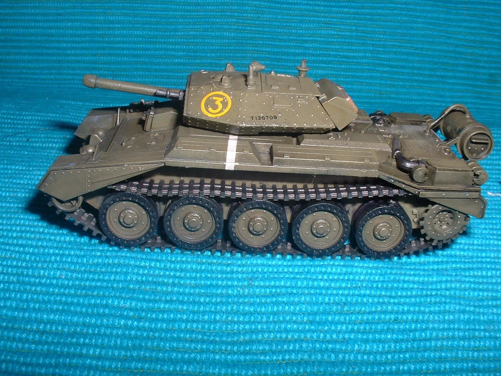 2015.10,12完成 ハセガワ 72分の1 クルセーダーⅢ戦車その2.JPG