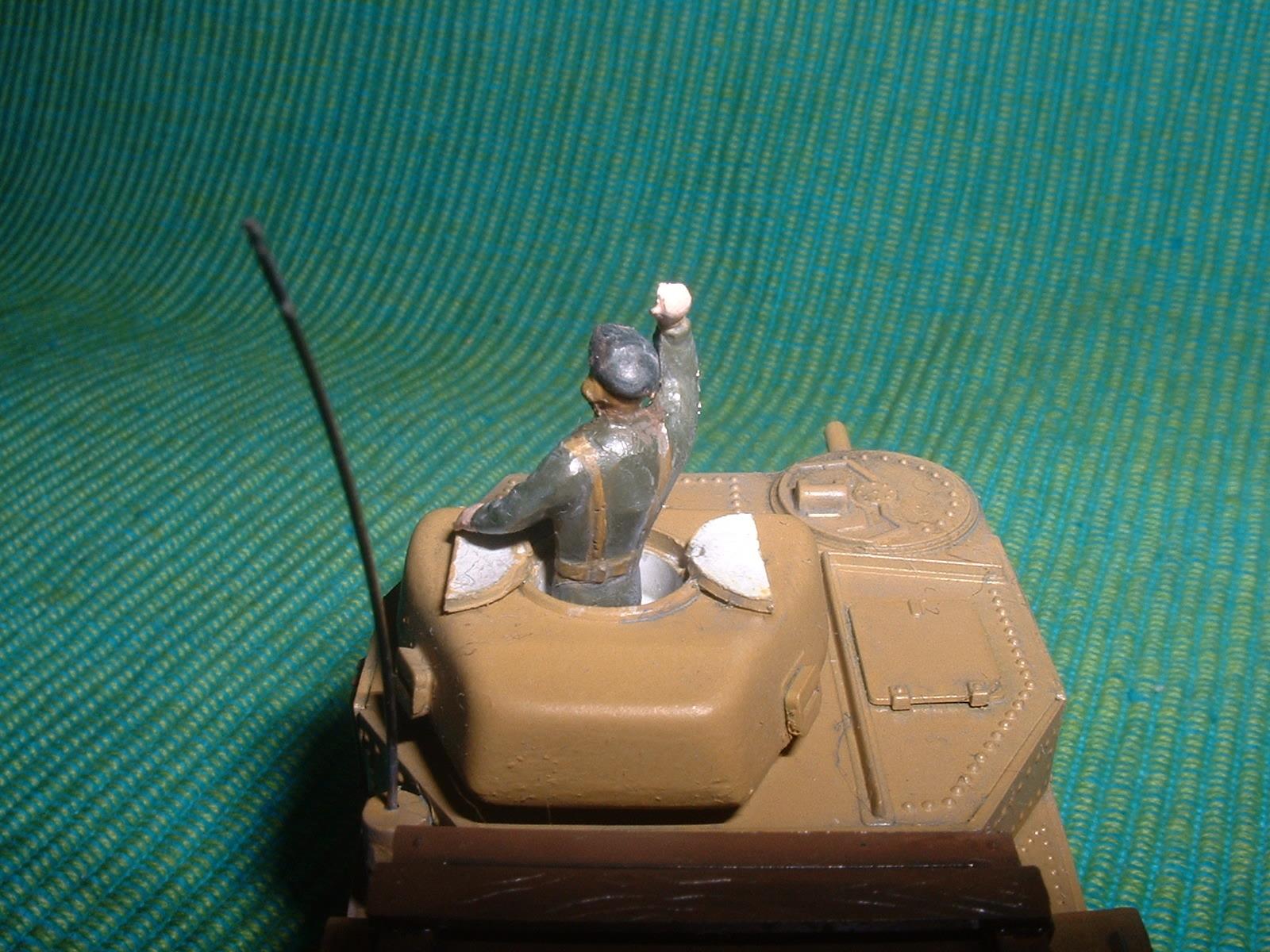 2015.10,12完成 ハセガワ 72分の1 M3 グラントの戦車兵 その2.JPG