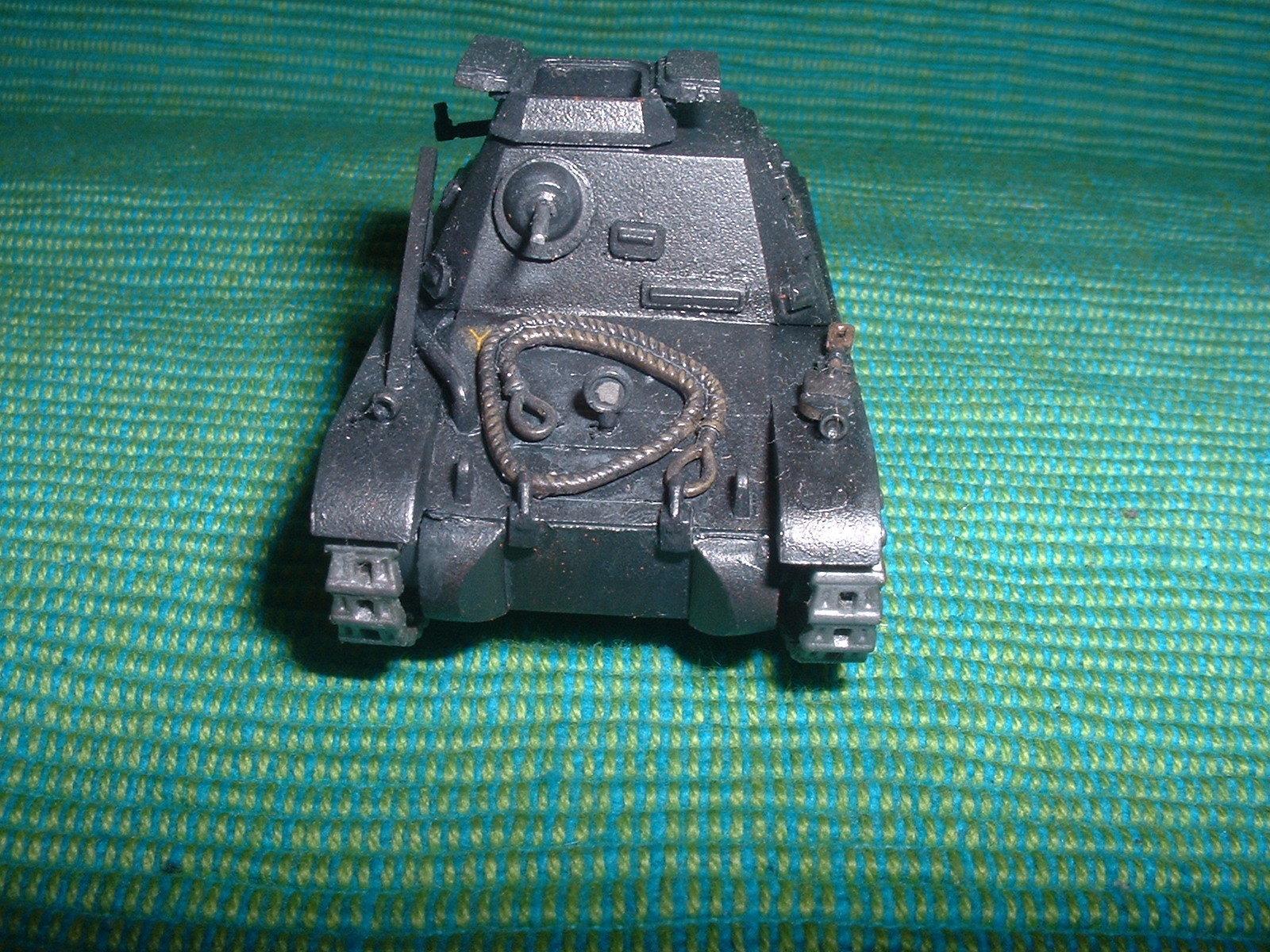 2015.11. 21 完成  ESCI 72分の1 「一号指揮戦車B型」その2.JPG