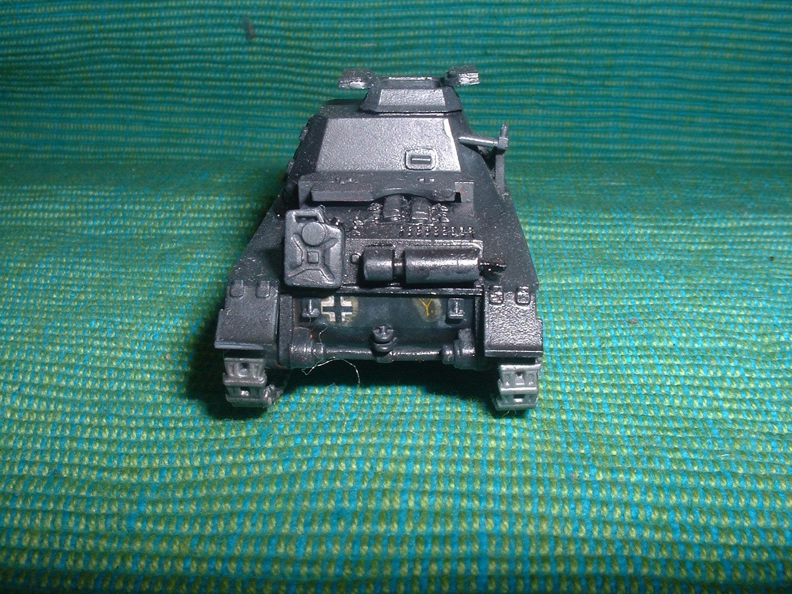 2015.11. 21 完成  ESCI 72分の1 「一号指揮戦車B型」その3.JPG