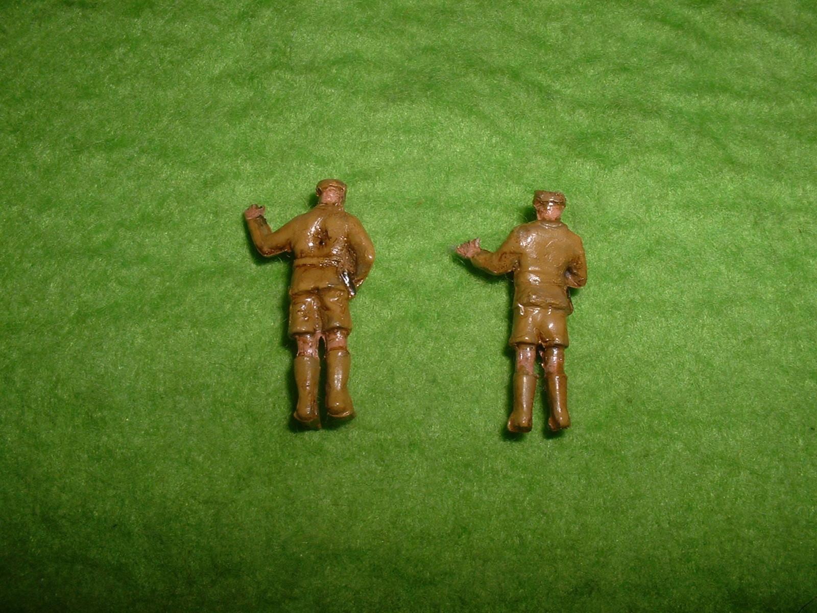 2015.11完成  フジミ 76分の1 「一号自走砲」付属人形その2.JPG