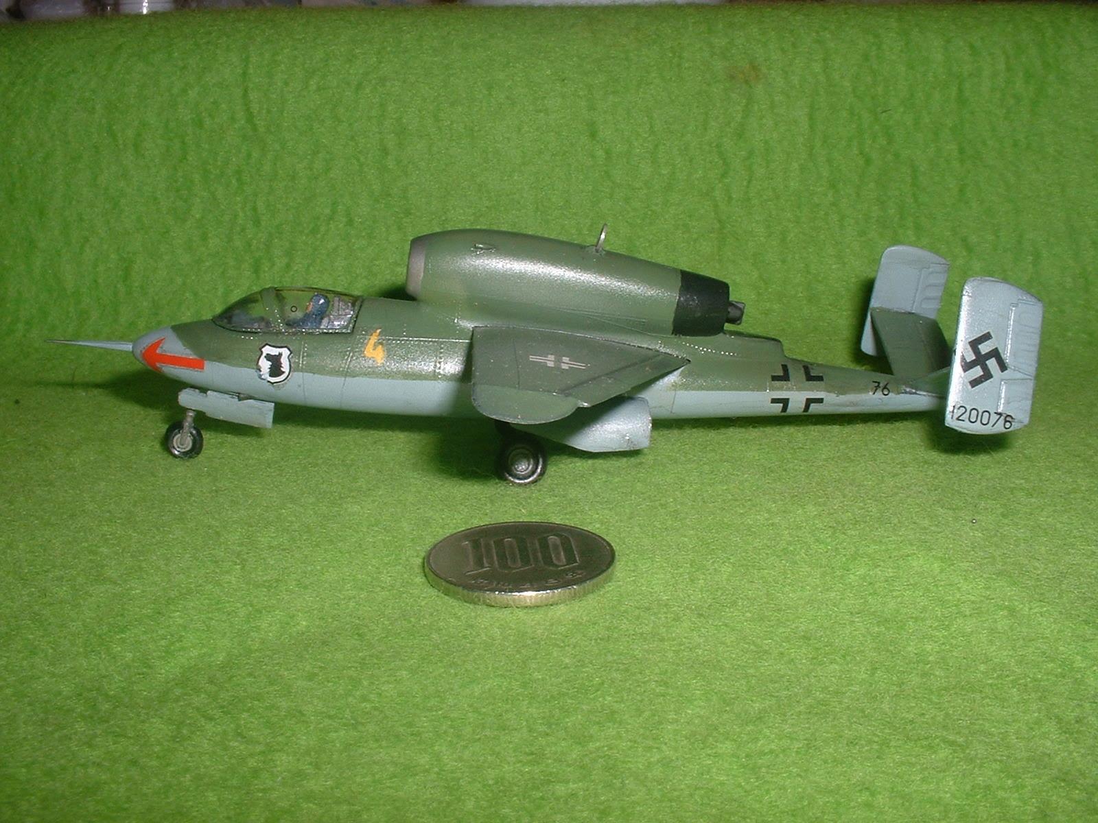 2016年08 月11日完成 リンドバーク72分の1「ハインケル He162 」その4.JPG
