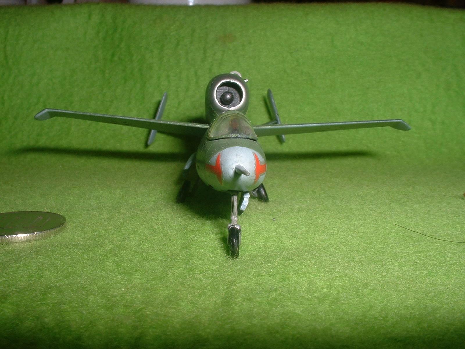 2016年08 月11日完成 リンドバーク72分の1「ハインケル He162 」その6.JPG