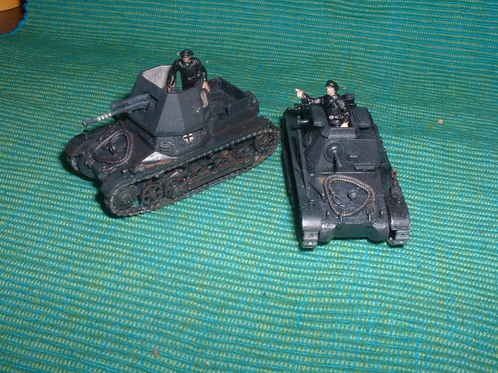 エッシ―の指揮戦車とフジミの1号戦車1号.JPG