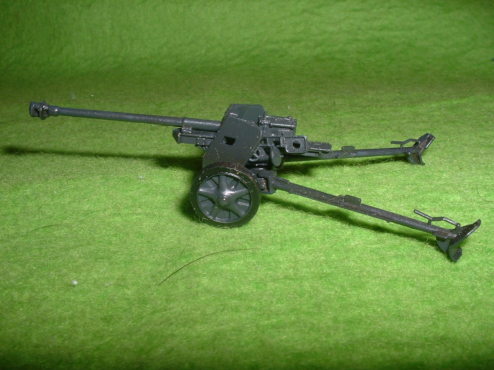 フジミ 76分の1 「1号戦車B型」 付属『75㎜対戦車砲」その3.JPG