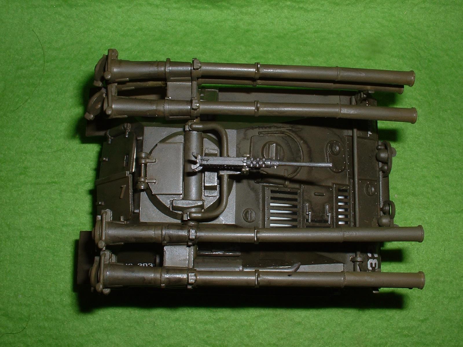 レベル社 32分の1「M-50 オントス」 上より Doburoku-TAO.JPG.JPG