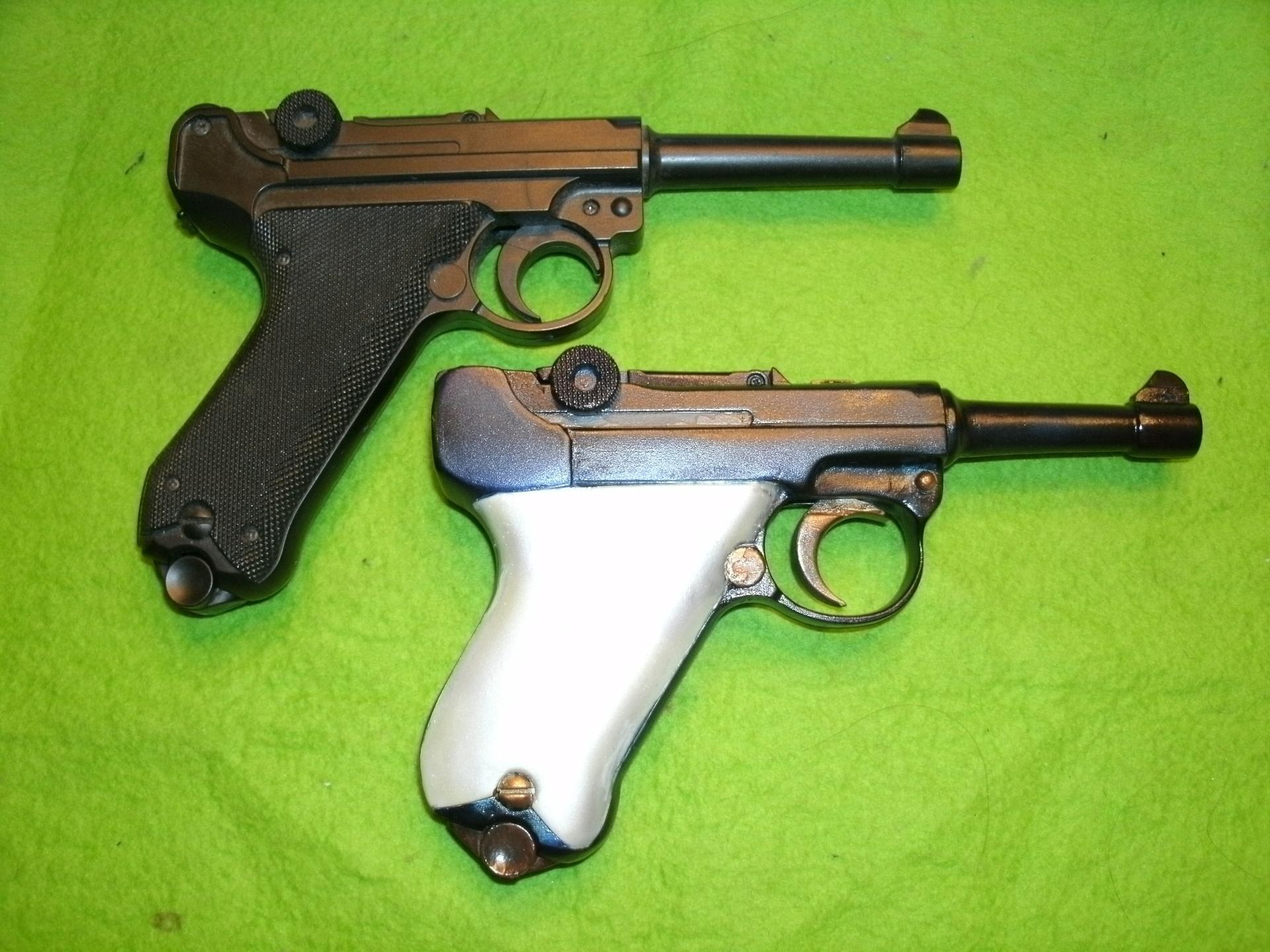 今井科学製ベースとなった「ルガーP08」と「ベビールガー」その2.JPG