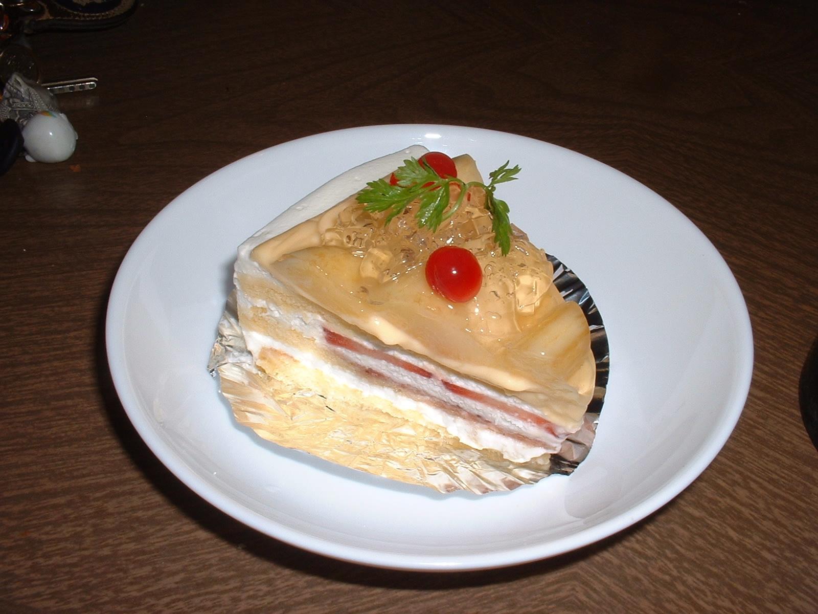 今日の甘いもの 2014年07月30日 ノエル「白桃のショートケーキ」 Doburoku-TAO.JPG