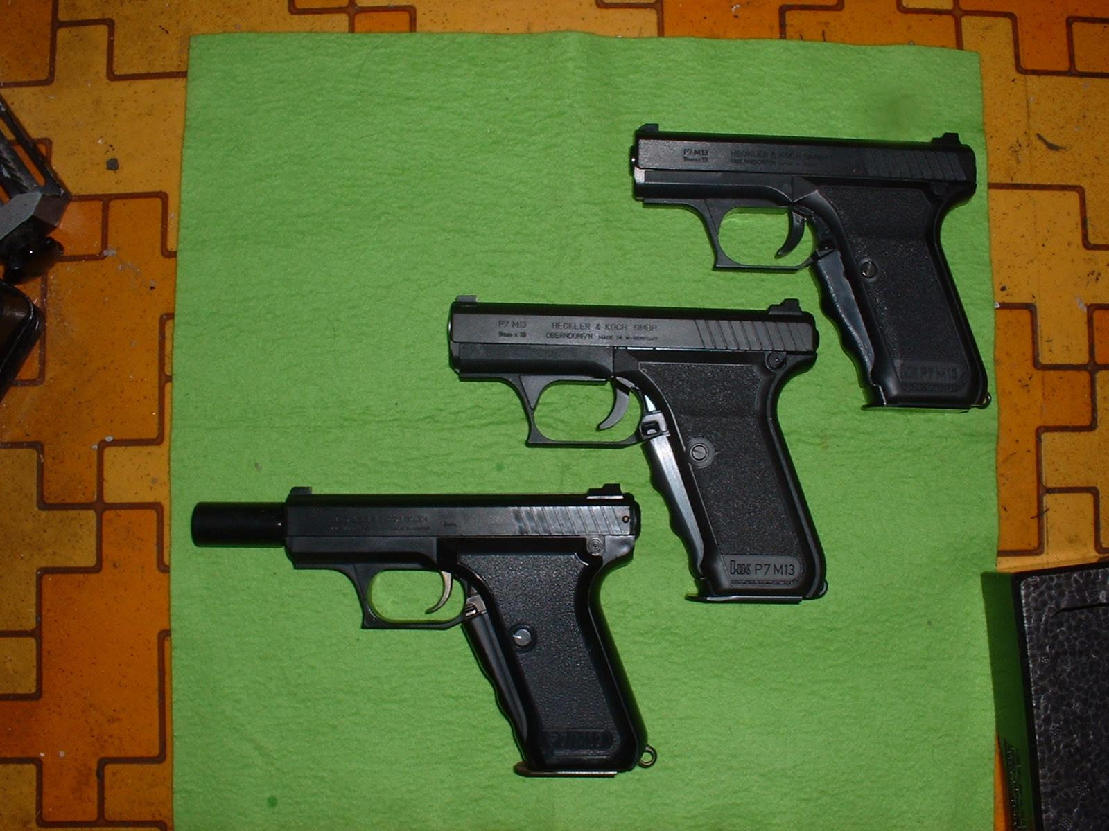 手持ちTOY Gun H&K P7M13 3社製品左側面Douro-TAO JPG