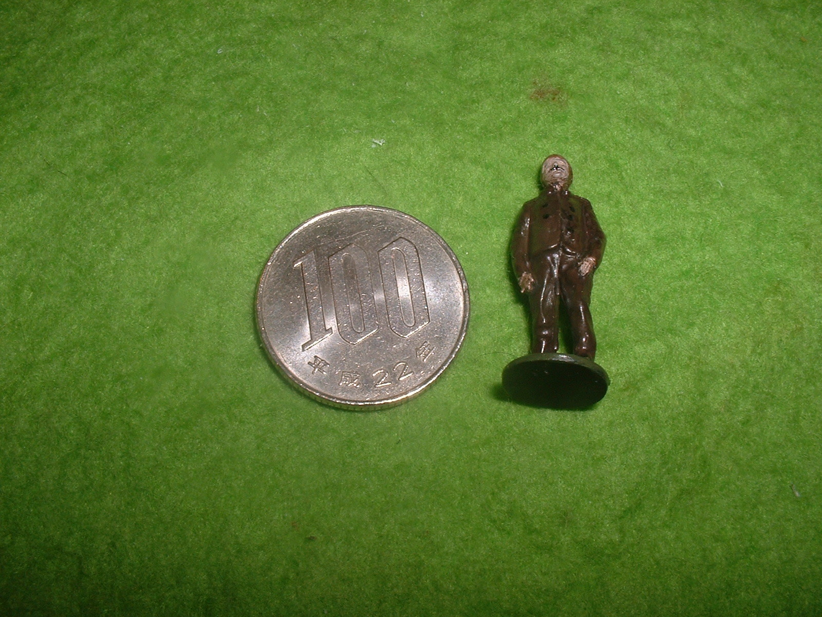 旧FROG金型72分の1 ブレリオⅪ附属人形その1.JPG