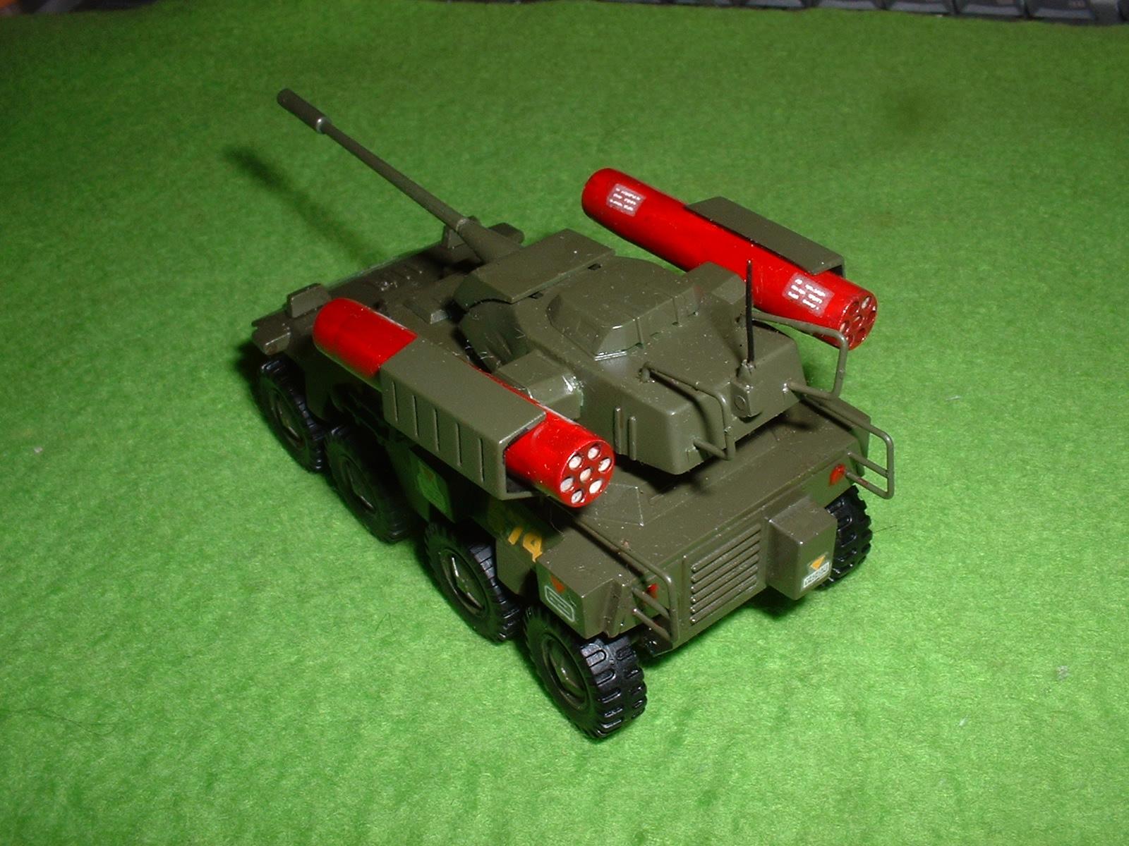 タカラ「インステッド8輪 装甲車」その2 Doburoku-TAO.JPG