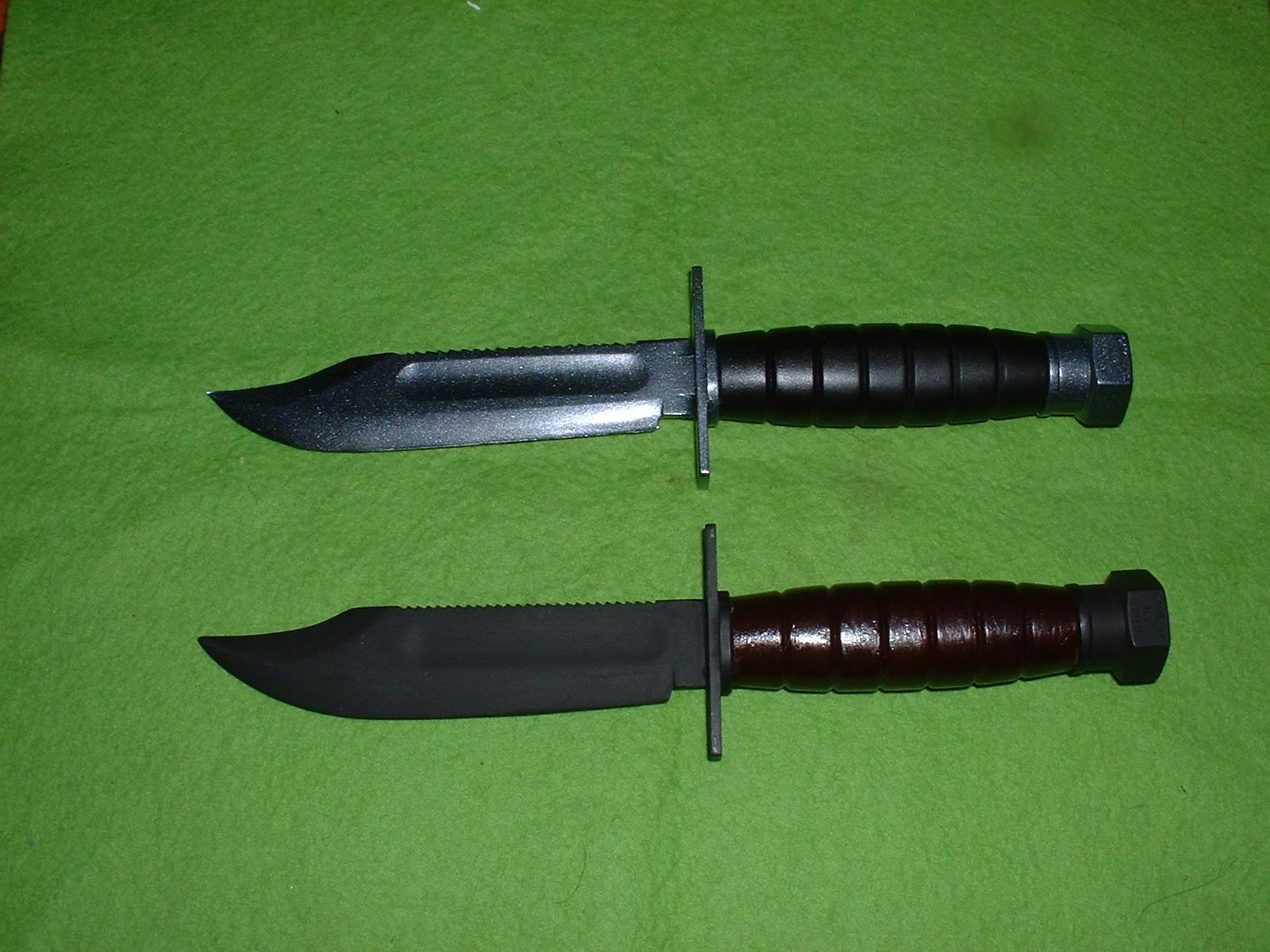 LS(現 マイクロエース)  『U.S.コンバットナイフ』2種 「ゴム刃」版(上)と「プラ刃」版(下) Doburoku-TAO.JPG