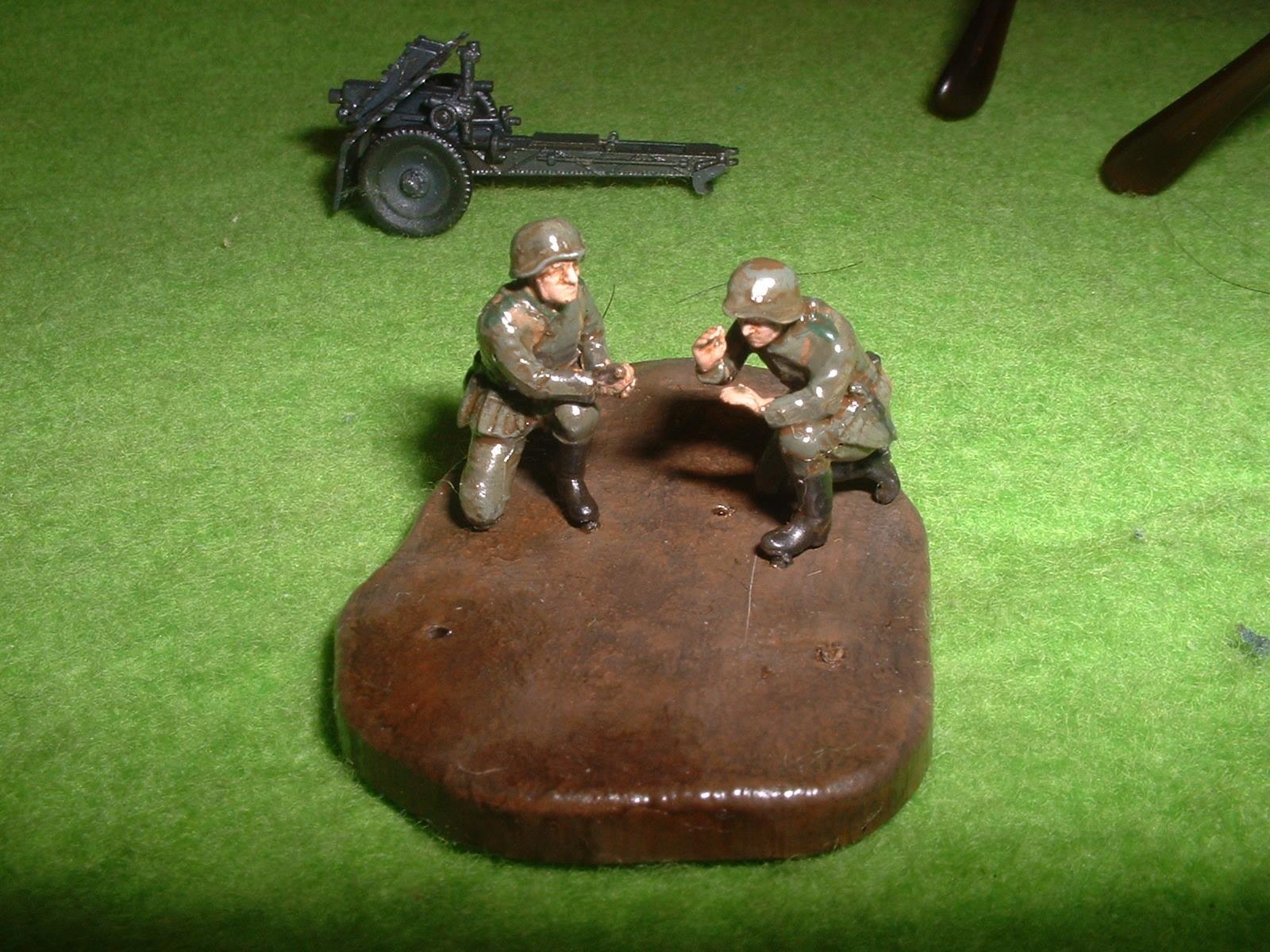 ZVEZDA  172  No6156「WW2 ナチスドイツ 75㎜歩兵砲」付属歩兵その1.JPG