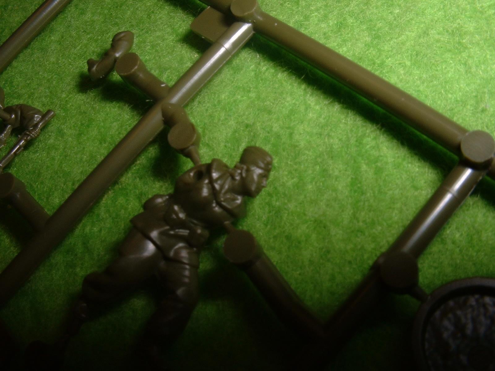 ZVEZDA 72分の1「ソビエト狙撃兵」その3.JPG